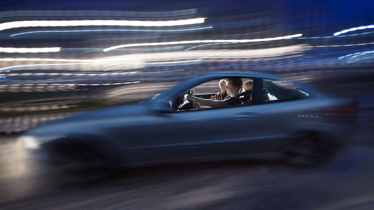 Alkoholi ja huumeet ovat merkittävä riskitekijä liikenteessä. Erityisessä riskiryhmässä ovat nuoret kuljettajat, mikä näkyy myös liikenneonnettomuuksissa.